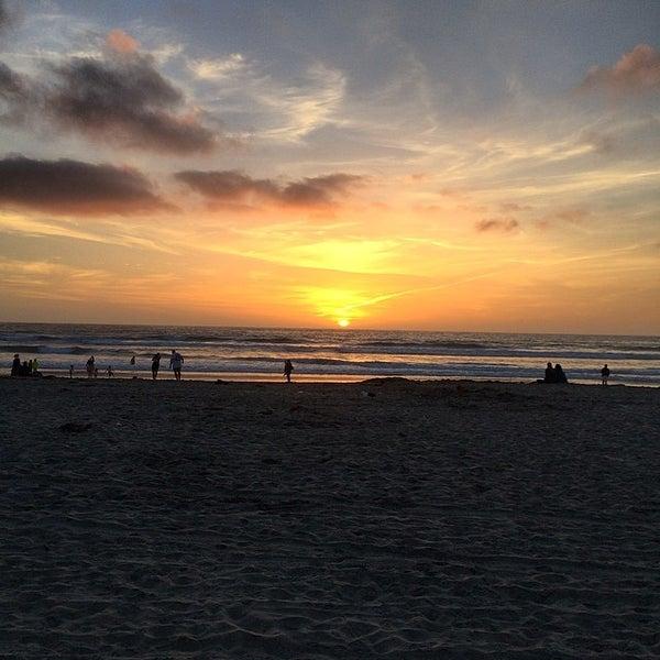 Foto tirada no(a) Mission Beach Park por Shosh T. em 3/18/2014