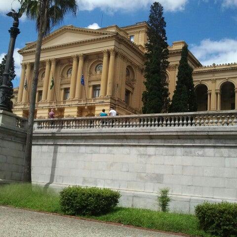Das Foto wurde bei Museu Paulista von Bruna M. am 3/29/2013 aufgenommen