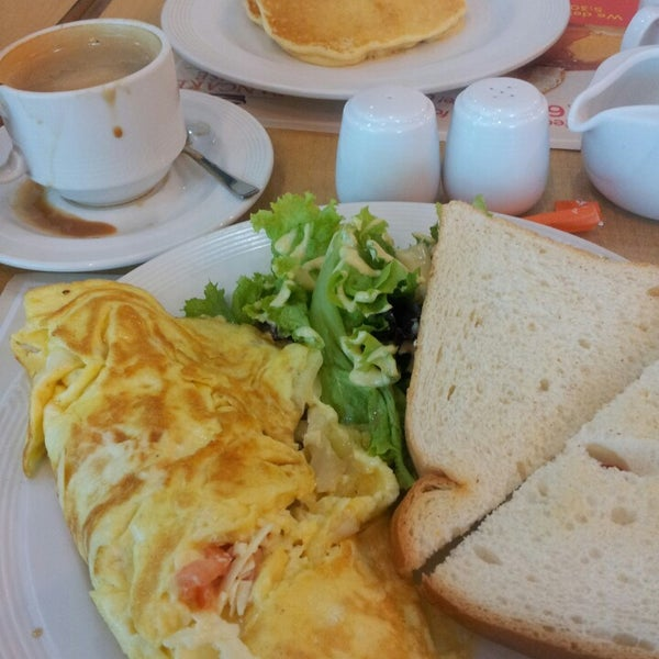Photo taken at Pancake House by Limuel A. on 10/29/2013