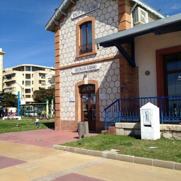 Oficina de turismo tourism office rinc n de la for Oficina turismo malaga