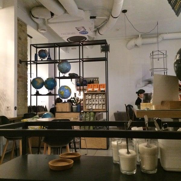 Снимок сделан в First Point Espresso Bar пользователем Paul S. 3/16/2017