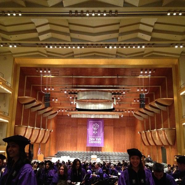 5/10/2013にALEX P.がLincoln Center for the Performing Artsで撮った写真