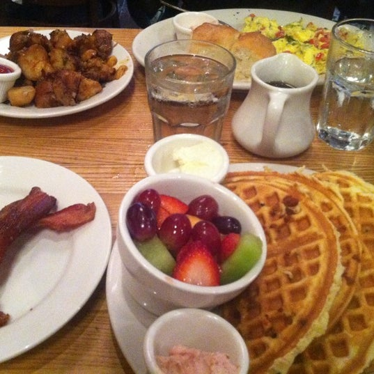 Photo taken at Good Enough to Eat by Antonio S. on 10/19/2012