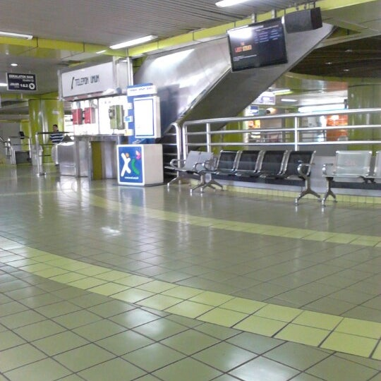 Photo taken at Stasiun Gambir by Indra N. on 2/3/2013
