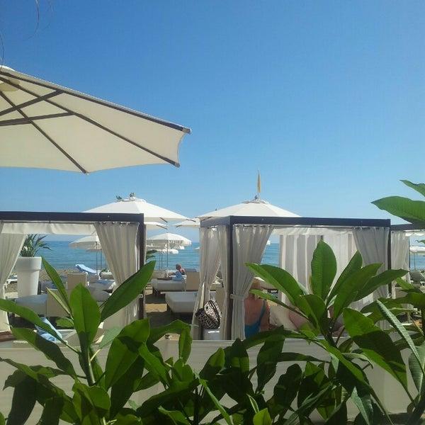 Foto tomada en Playa Miguel Beach Club por Ana Q. el 10/10/2013