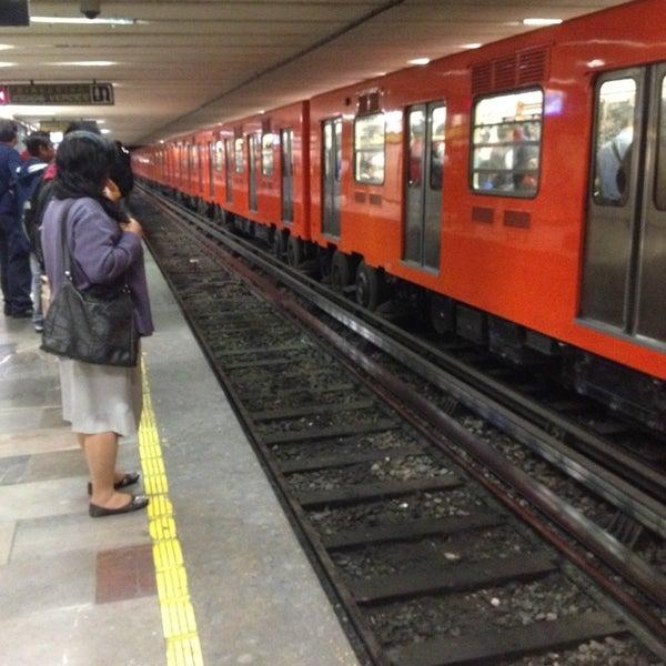 Fotos en Metro Balderas (Líneas 1 y 3) - Estación de metro en Doctores