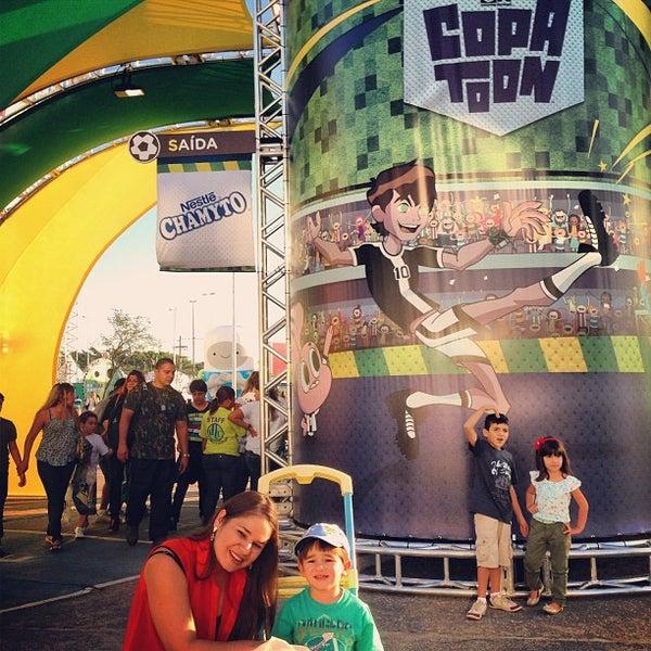Foto tirada no(a) Via Parque Shopping por Luiz Rodrigo T. em 7/6/2013
