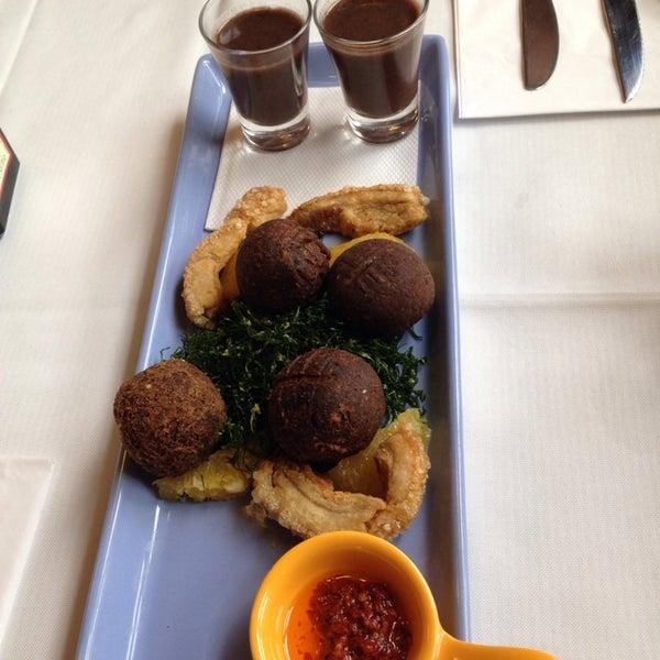 Foto tirada no(a) Zeffiro Restaurante por Vanessa A. em 9/28/2013