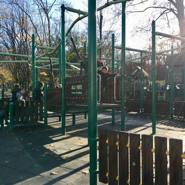 parc de jeux du jardin du luxembourg playground in paris. Black Bedroom Furniture Sets. Home Design Ideas