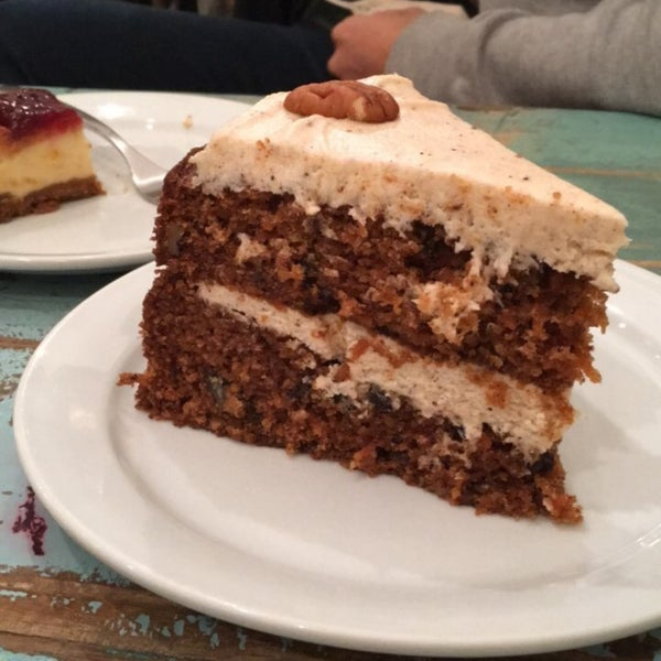 Carrot cake is amazing!!! Perfect for cheat day😜