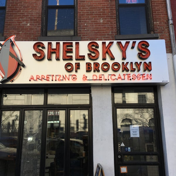 Foto scattata a Shelsky's of Brooklyn da Kirk L. il 3/31/2018