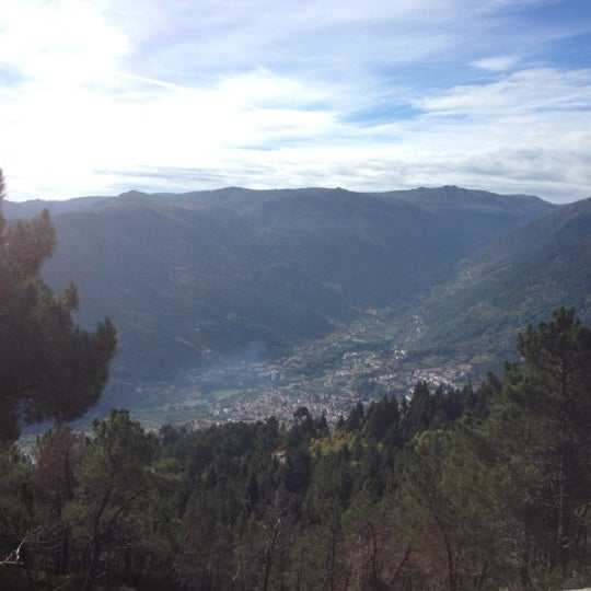 Foto tirada no(a) Serra da Estrela por Shakil R. em 10/21/2012