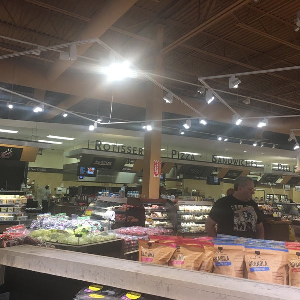 Photo taken at Price Chopper by Janice D. on 7/15/2017