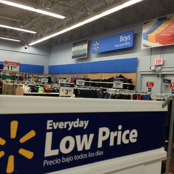 Photo taken at Walmart by GaReto V. on 7/20/2014