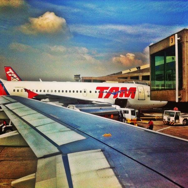 Снимок сделан в Международный аэропорт Конгоньяс/Сан-Паулу (CGH) пользователем Marcel S. 6/13/2013