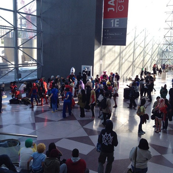 Photo taken at New York Comic Con 2012 by Rose J. on 10/14/2012
