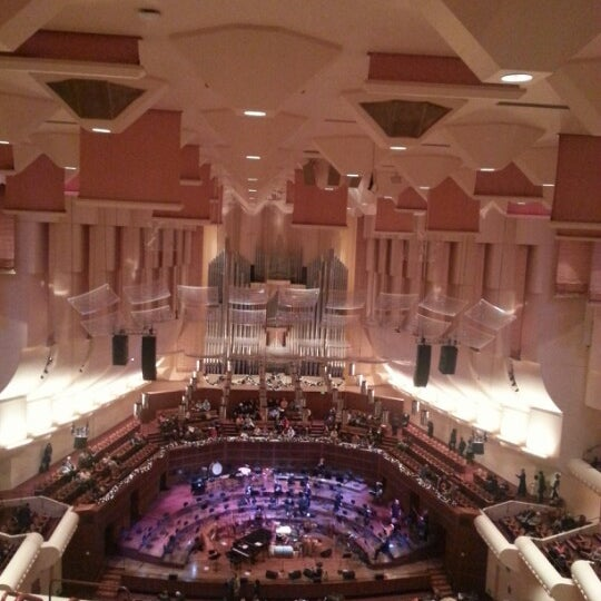 Photo taken at Louise M. Davies Symphony Hall by Thomas W. on 11/30/2012