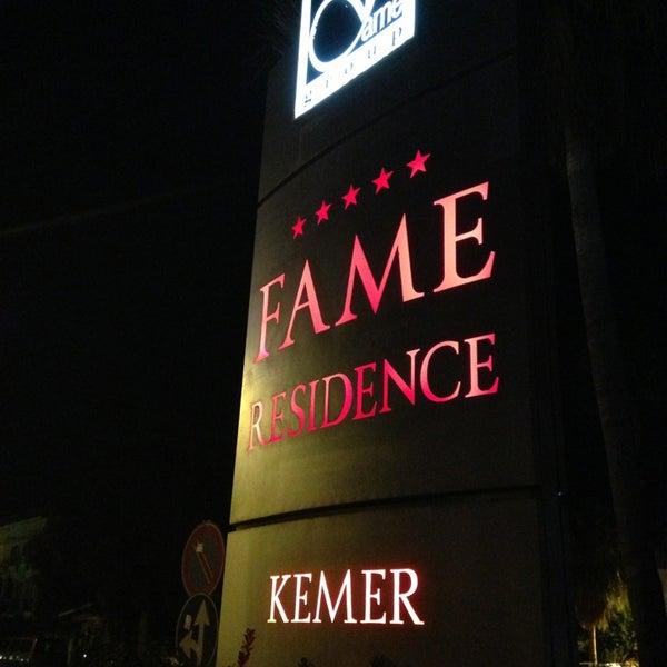 6/13/2013 tarihinde 🐾КотофейКа🐾ziyaretçi tarafından Fame Residence'de çekilen fotoğraf