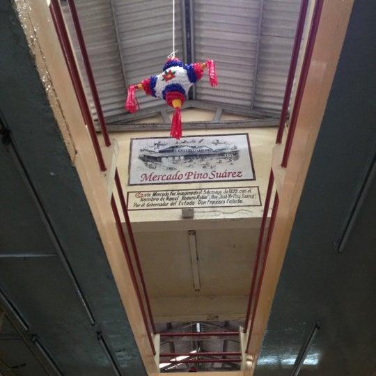 Foto diambil di Mercado Pino Suarez oleh Jorch M. pada 12/16/2012