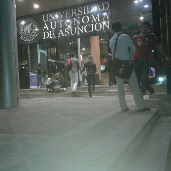 Foto tomada en Universidad Autónoma de Asunción por Rodrigo D. el 5/27/2013