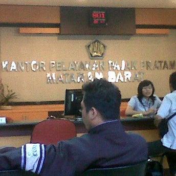 Photo taken at Kantor Pelayanan Pajak Pratama Mataram Barat by IMade A. on 1/17/2012