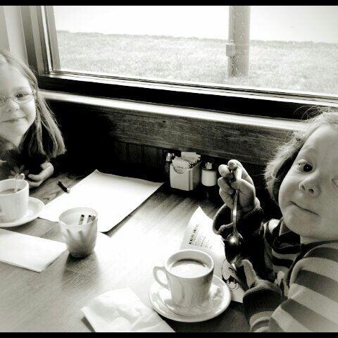 Foto tirada no(a) Original Pancake House por Tony C. em 3/29/2012