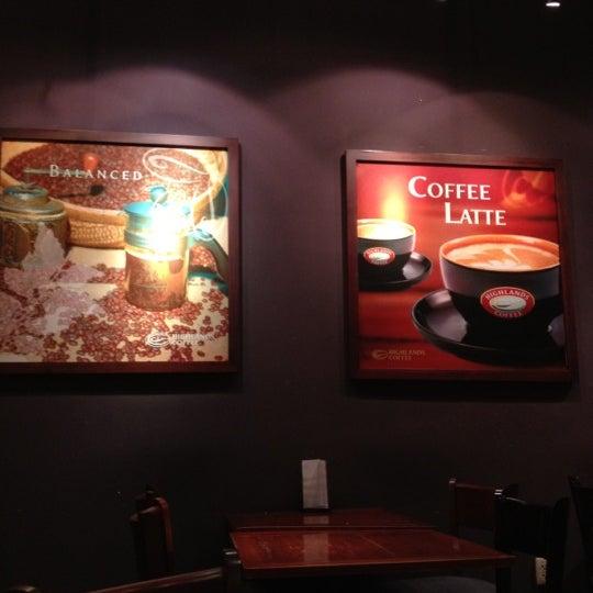Photo taken at Highland Coffee @ BIG C by Chicken C. on 8/18/2012