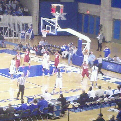 Photo taken at Memorial Coliseum by Larry S. on 2/24/2011