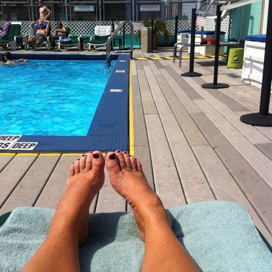 Foto diambil di The Watson Hotel oleh Karen R. pada 7/8/2012