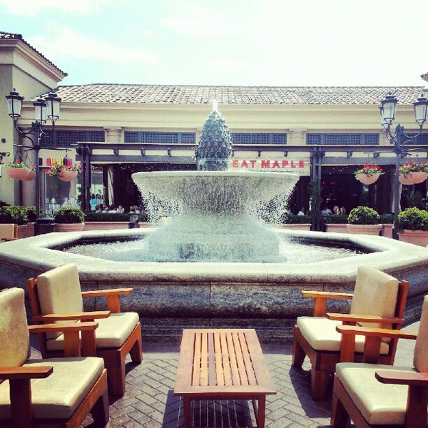 Photo taken at Fashion Island by Pakorn T. on 8/17/2012