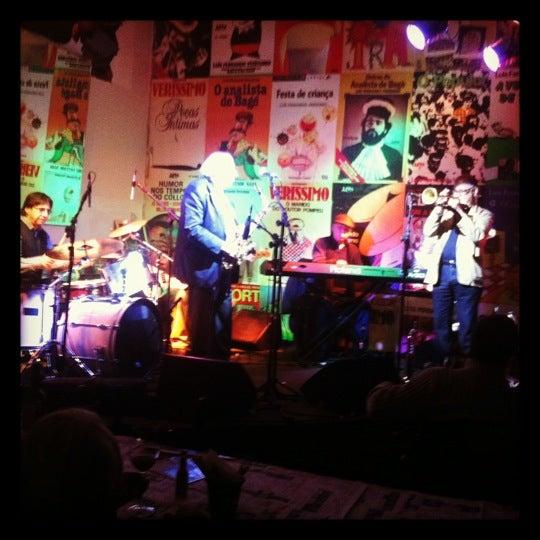 Foto tirada no(a) Verissimo Bar por Manuela P. em 7/20/2012
