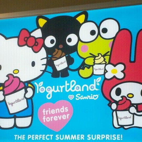Photo taken at Yogurtland by xina on 9/26/2011