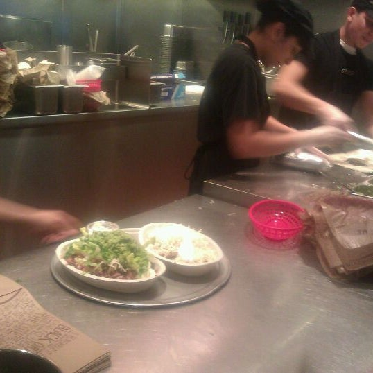 Photo taken at Chipotle Mexican Grill by Crystal C. on 1/20/2012