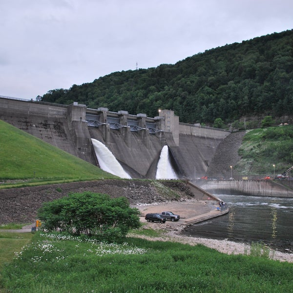 Great views of and from the dam!