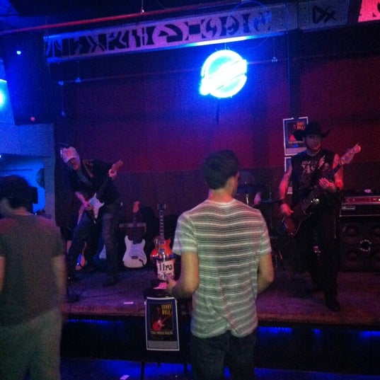 Photo taken at Blue Moon by Guy T. on 3/17/2012