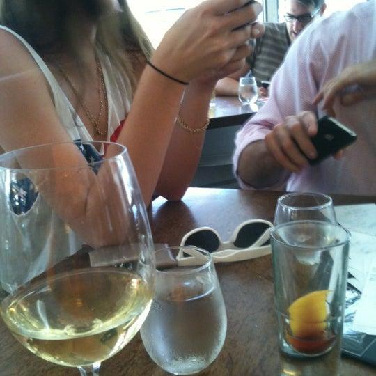 Foto tirada no(a) Barbuto por Emily M. em 7/4/2012