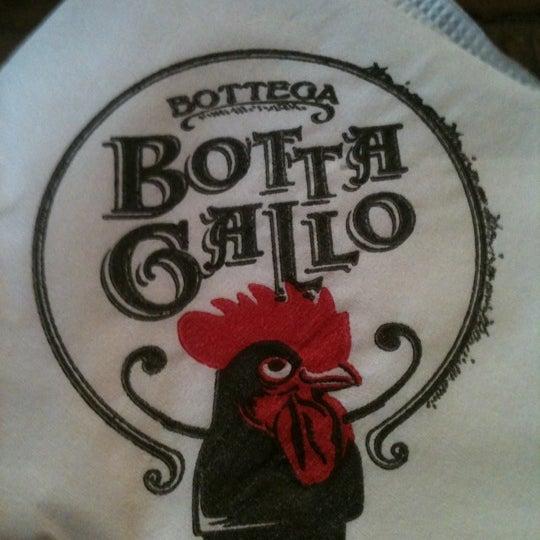 Photo taken at Bottega Bottagallo by Fernanda G. on 2/17/2012