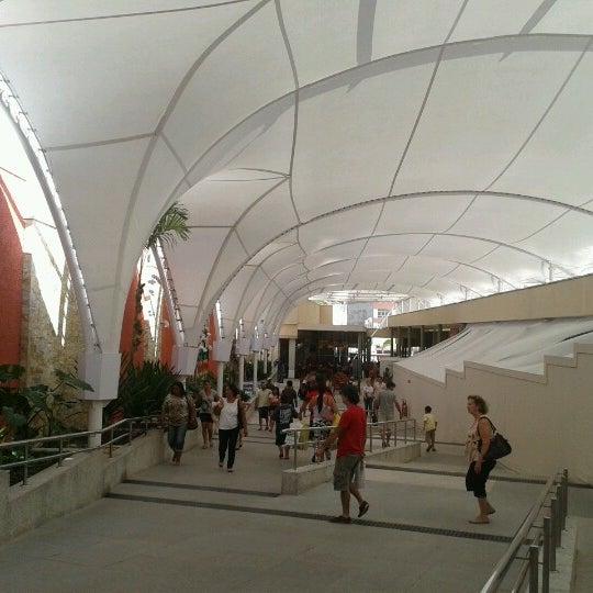 Foto tirada no(a) Partage Shopping São Gonçalo por Michela M. em 8/18/2012