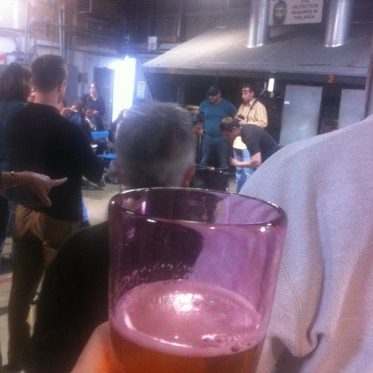 4/1/2012 tarihinde Conrad W.ziyaretçi tarafından Public Glass'de çekilen fotoğraf