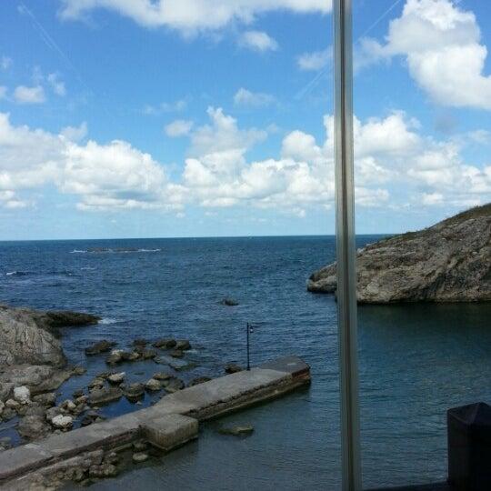 8/31/2012 tarihinde Volkan K.ziyaretçi tarafından İyot Restaurant'de çekilen fotoğraf