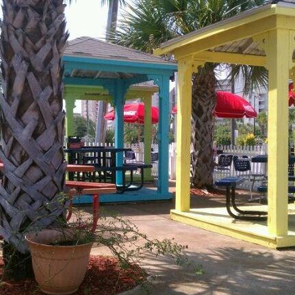 Photo taken at Liza's Kitchen by Jan W. on 7/5/2012