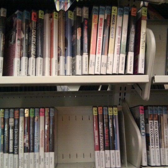 7/30/2012에 Jess K.님이 Niles Public Library District에서 찍은 사진