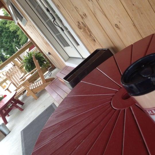 Foto tirada no(a) Red Barn Coffee At Angel's Cafe por Tonyhopedale em 6/6/2012