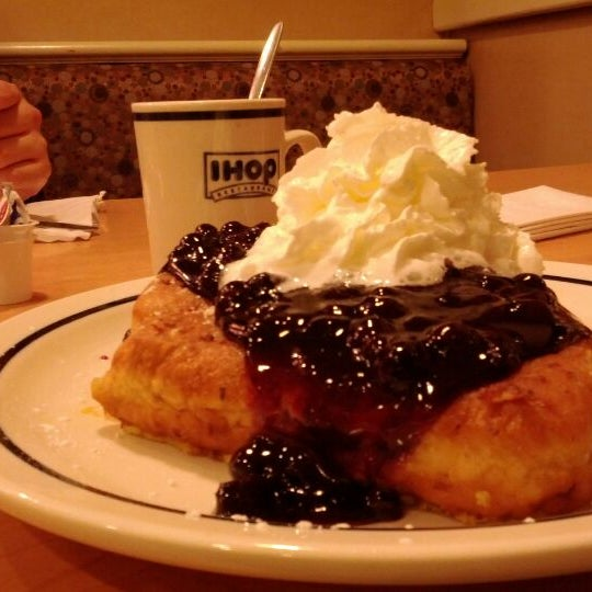 Photo taken at IHOP by Mary L. on 3/23/2012