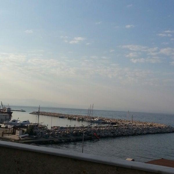 7/20/2013 tarihinde Seda C.ziyaretçi tarafından Küçükkuyu Limanı'de çekilen fotoğraf