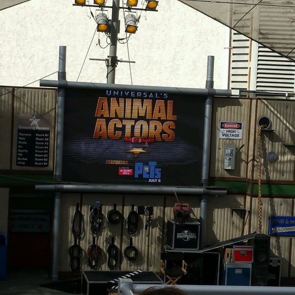 Photo taken at Universal's Animal Actors by Sammy K. on 10/13/2016