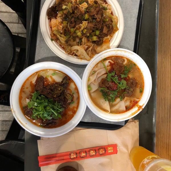 Foto tirada no(a) Xi'an Famous Foods por Long C. em 4/28/2018
