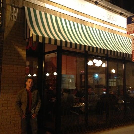 รูปภาพถ่ายที่ Big Jones โดย Jeff C. เมื่อ 11/2/2012