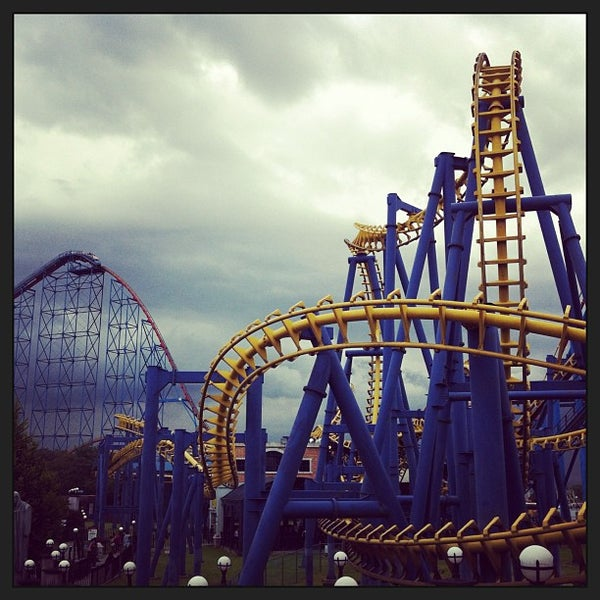 Photo taken at Six Flags México by Raul A. on 8/5/2013