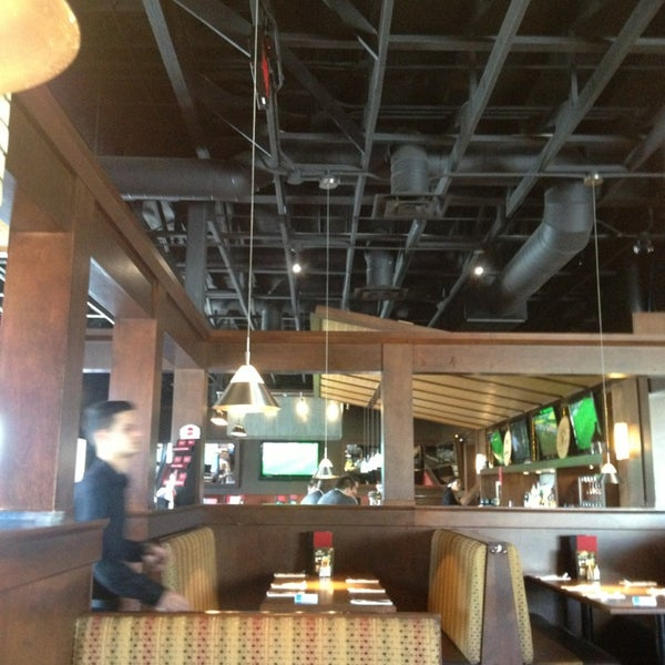Casey 39 s resto bar dix30 american restaurant in brossard for Atelier cuisine dix30